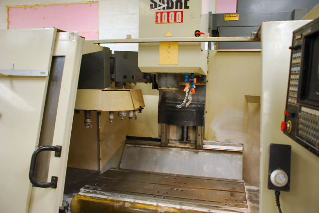 40 X, 20 Y, 22 Z, CINCINNATI SABRE 1000,12 full 4th AXIS,850SX CNC,8000 RPM,1995